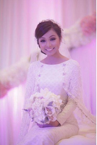 Wedding dress by Jovian Mandagie