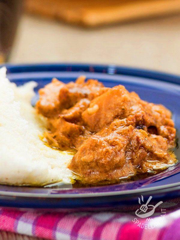 Cod with white polenta - Il Baccalà con polenta bianca: un piatto gustoso, equilibrato e sano in cui il sapore deciso del baccalà viene esaltato dalla delicatezza della polenta. #baccalà con polenta bianca