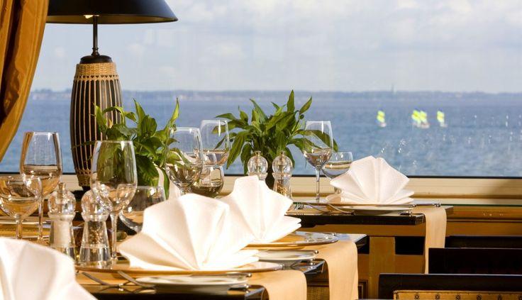 GRAND HOTEL SEESCHLÖSSCHEN SPA & GOLF RESORT Wellness Hotel   Schleswig-Holstein   Deutschland. Das Grand Hotel Seeschlösschen ist in Timmendorfer Strand das erste Haus am Platz. Das privat geführte Hotel befindet sich direkt am Meer und ist als einziges Hotel am Timmendorfer Strand mit 5-Sterne Superior klassifiziert. www.leadingspa.com #leadingsparesort #seeschlösschen #timmendorf #golf #heilfasten #ドイツ #Германия