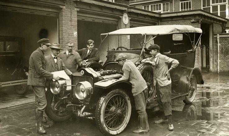 88 beste afbeeldingen van 1900 1950 for Auto interieur reinigen den haag