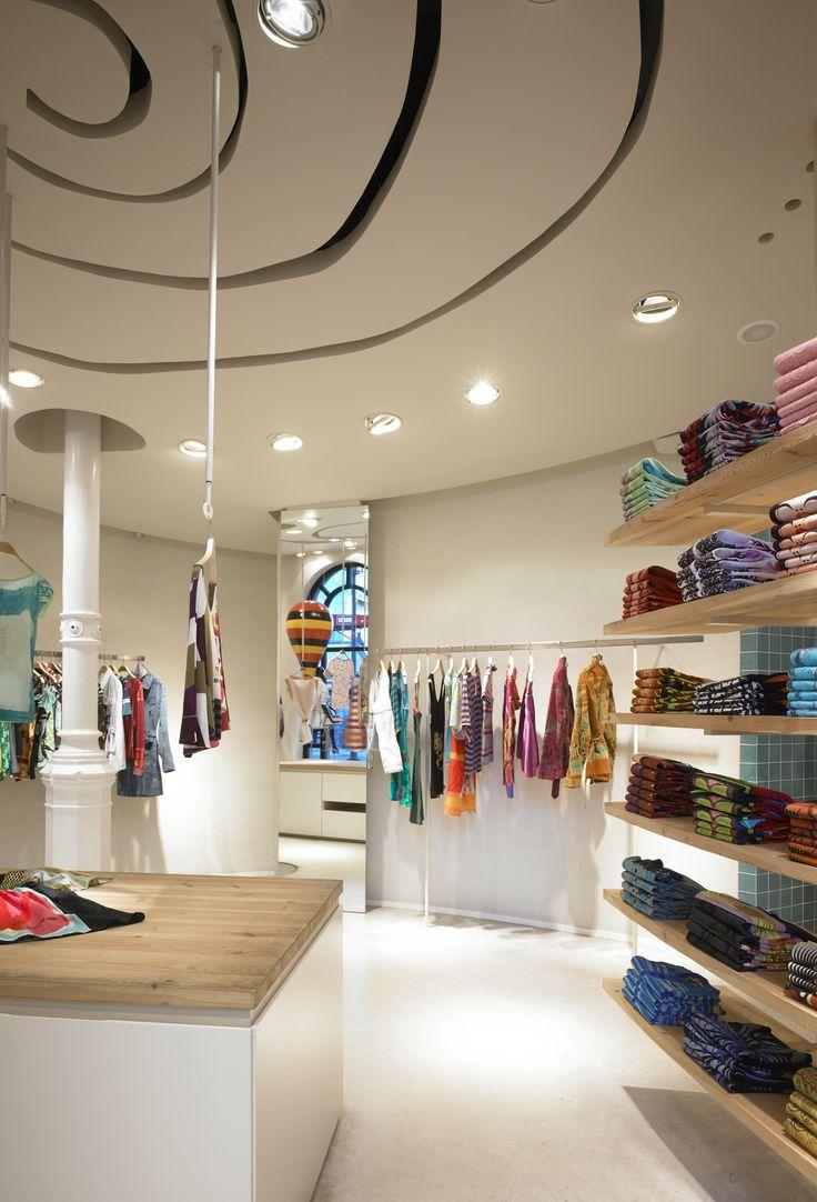 7 best Custo Barcelona / Interiorismo Retail images on Pinterest ...