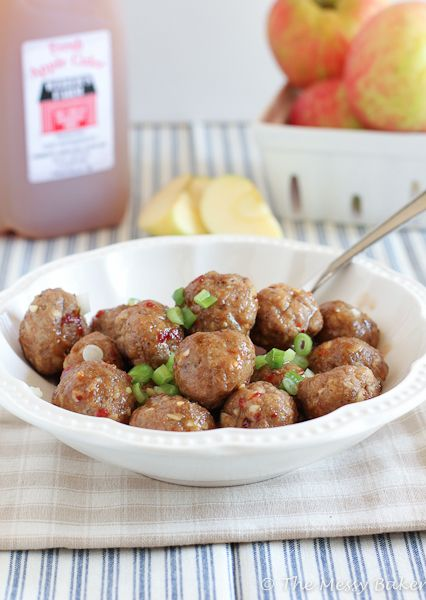 Apple Cider Glazed Meatballs {www.themessybakerblog.com}Apples Cider, Glaze Meatballs, Turkey Meatballs, Cider Glaze, Apple Cider, Parties Food Recipe, Christmas Parties Food, Appetizers, Ground Turkey