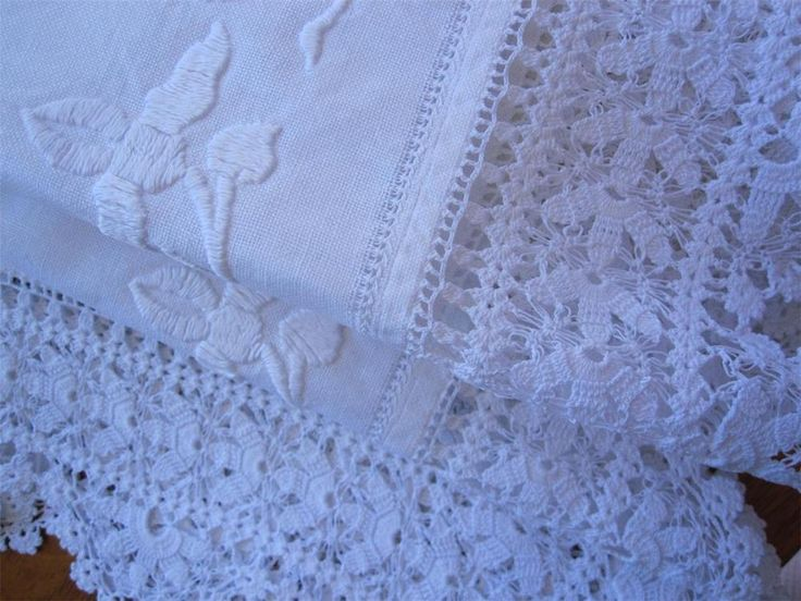 Authentic Vintage Large Table Centrepiece  Hand Embroidered/Crochet Edge 81cms x 65 cms White embroidery on white cotton Large crochet edge  A Stunning Piece for Collectors of Vintage Linens. *Laundered *Starched *Ironed  so comes to you ready to use.