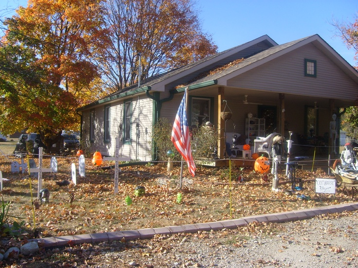 halloween pictures by midwestbk pinterest brownsburg indiana halloween displays - Halloween Indiana
