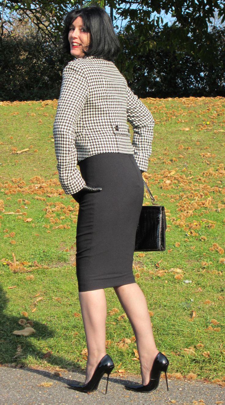 Perfect Beautiful Women Wearing Mini Skirts Photo  Beautiful Women