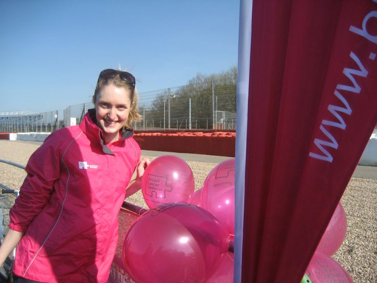 Volunteer at the adidas Silverstone Half Marathon #volunteer #volunteering #breastcancer #pink #balloons