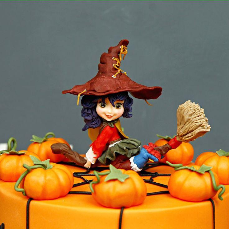 Доброе утро, друзья!  Сегодня все отмечают интересный праздник #хэллоуин Не забудьте о его традициях: поставьте на подоконник тыкву со свечой🎃, нарядитесь в потрясающе жуткий костюм👻 и отправляйтесь развлекаться с друзьями😉 Кондитерская Абелло, поздравляет вас и желаем хорошо повеселиться!  А наша очаровательная ведьмочка желает всем счастливого Хэллоуина!  #Абелло #abelloru #тортназаказ #тортыназаказ #тортназаказмосква #тортыназаказмосква #доставкатортов #кондитерская #кондитерскаямосква…