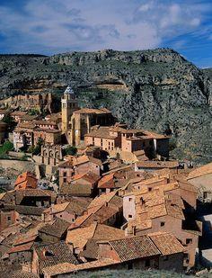ME ENCANTA !!! Albarracín, probablemente el pueblo más bonito de España