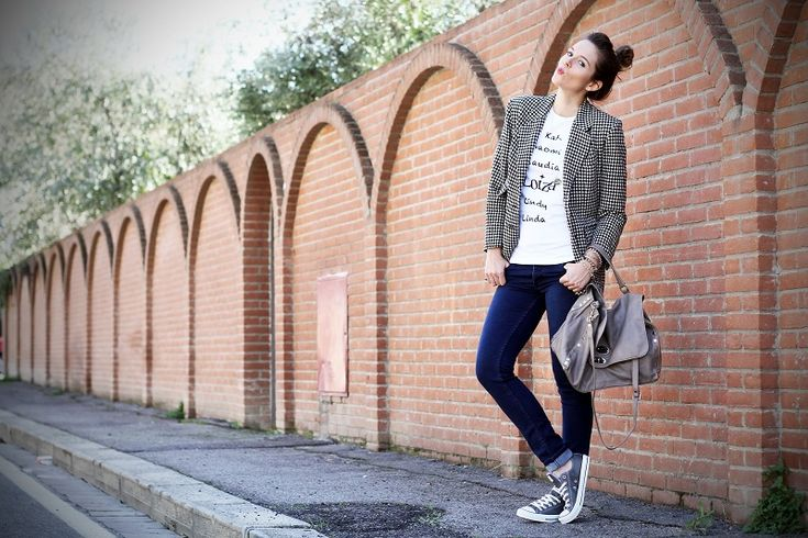 converse, denim, pied de poule and printed shirt for my fashion outfit. www.ireneccloset.com