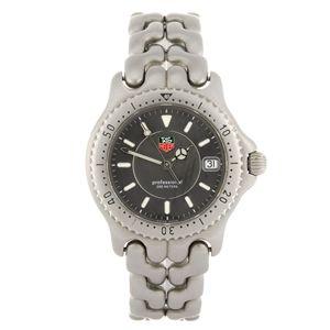 A stainless steel quartz mid-size Tag Heuer S/el bracelet watch.