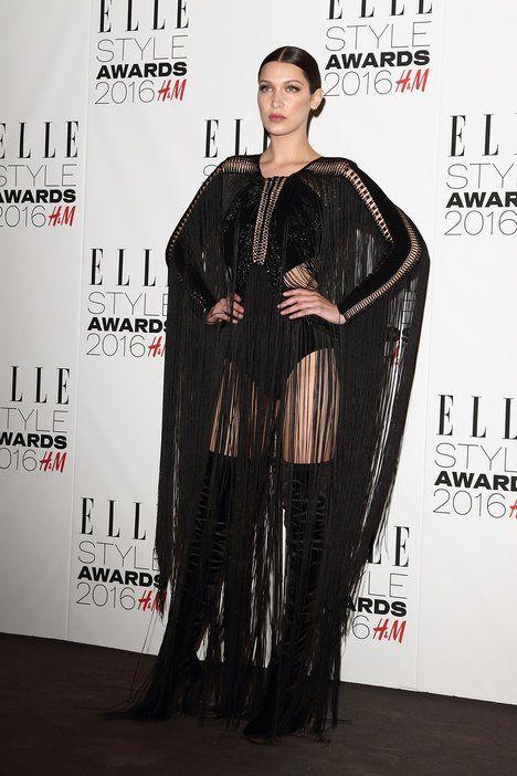 Gotická kráska Bella Hadid v překrásném modelu od Juliena Macdonalda; Profimedia