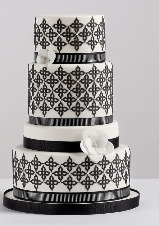 33 Stunning wedding cakes plus the explanation cake cutting fee. To see more: http://www.modwedding.com/2014/01/27/33-wedding-cake-inspiration-plus-what-is-the-cake-cutting-fee/ #wedding #weddings #cakes