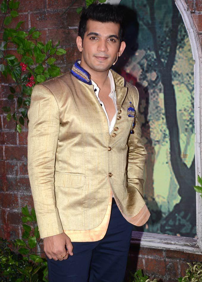 Arjun Bijlani at the Star Parivaar Awards 2013 #Bollywood #Fashion