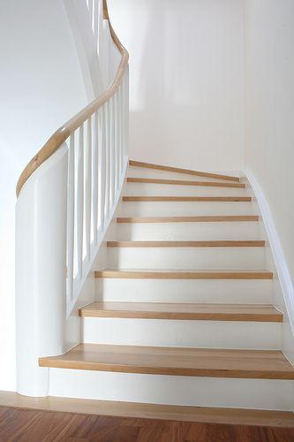 refurbished wooden staircase in midcentury HOUSE K www.moarchitekten.de