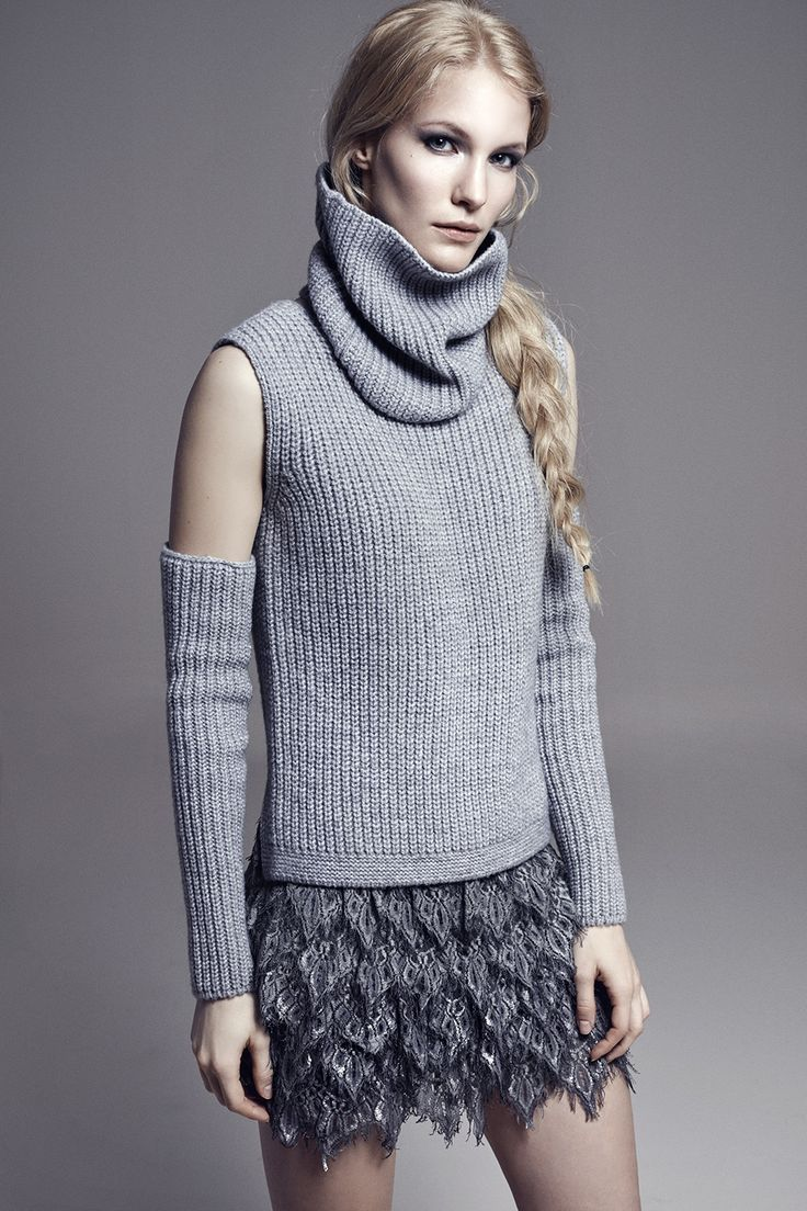 LINDA - 3-piece Knit Sweater FERGUS - Layered Lace Mini Skirt w/Metallic Silver Print