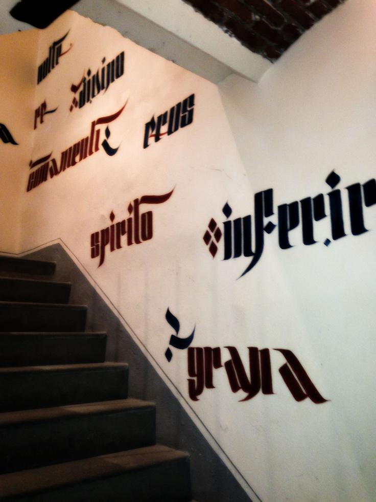Le scale che portano alle cantine, iper moderne [Ivan, the writer]