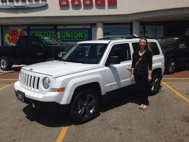 2014 White Jeep Patriot. http://doesthistypingnoisemakemesoundbusy.wordpress.com/2014/04/23/my-new-ride/