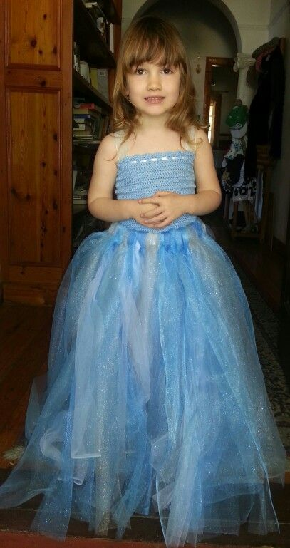 Made this dress for my daughters for her Frozen Party. Top Vinnis Nikkim.