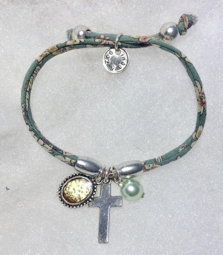 Bracelet religieux croix et Liberty : Bracelet par mode2filles