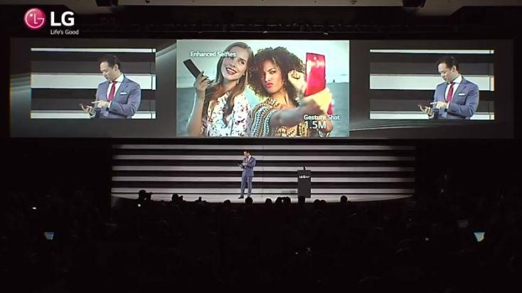 #Liveblog El LG G Flex 2 tiene una batería de 3000 mAh y carga el 50% en 40 minutos.