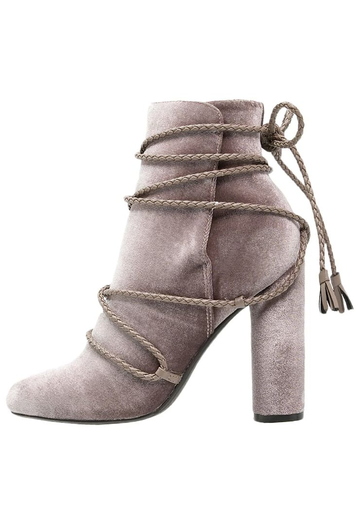 Missguided Lace-up boots - mauve for £45.99 (07/10/16) with free delivery at Zalando