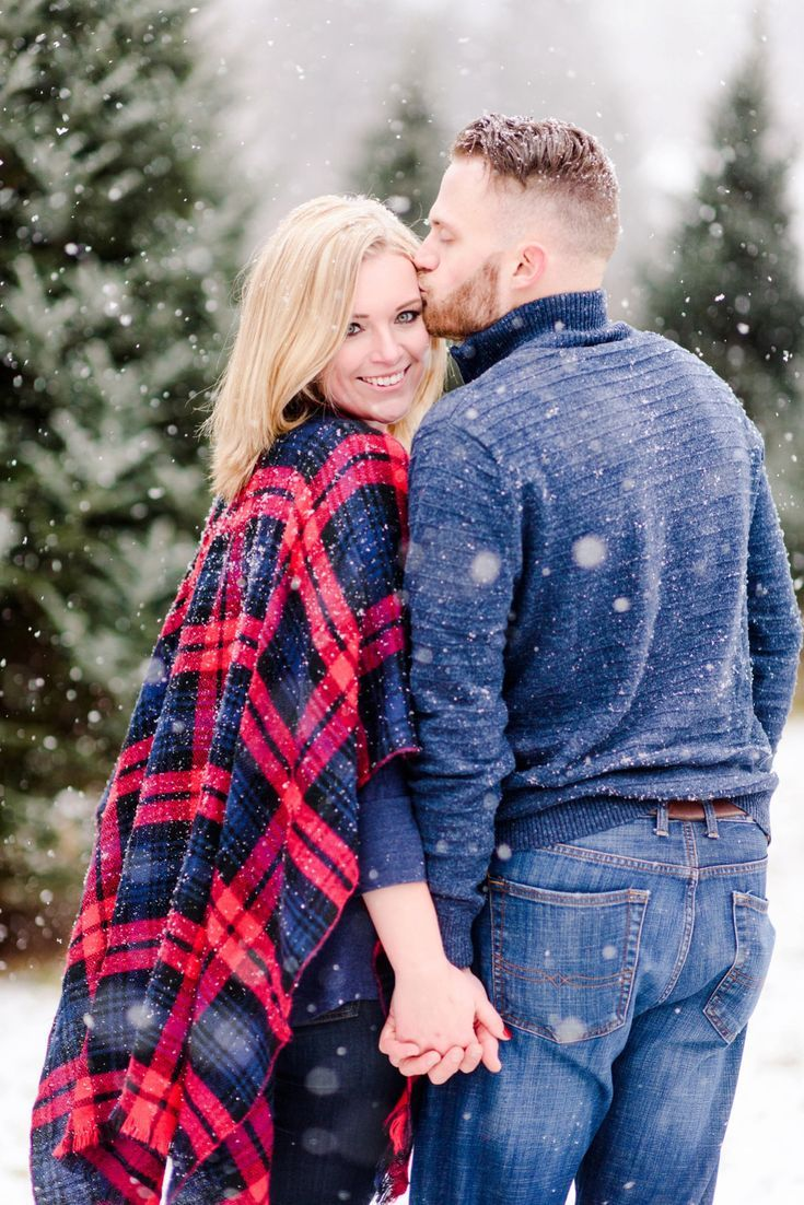Snowy Christmas Tree Farm Engagement Session Winter Engagement Photos Pittsburgh Wedding Photography Engagement Photo Outfits