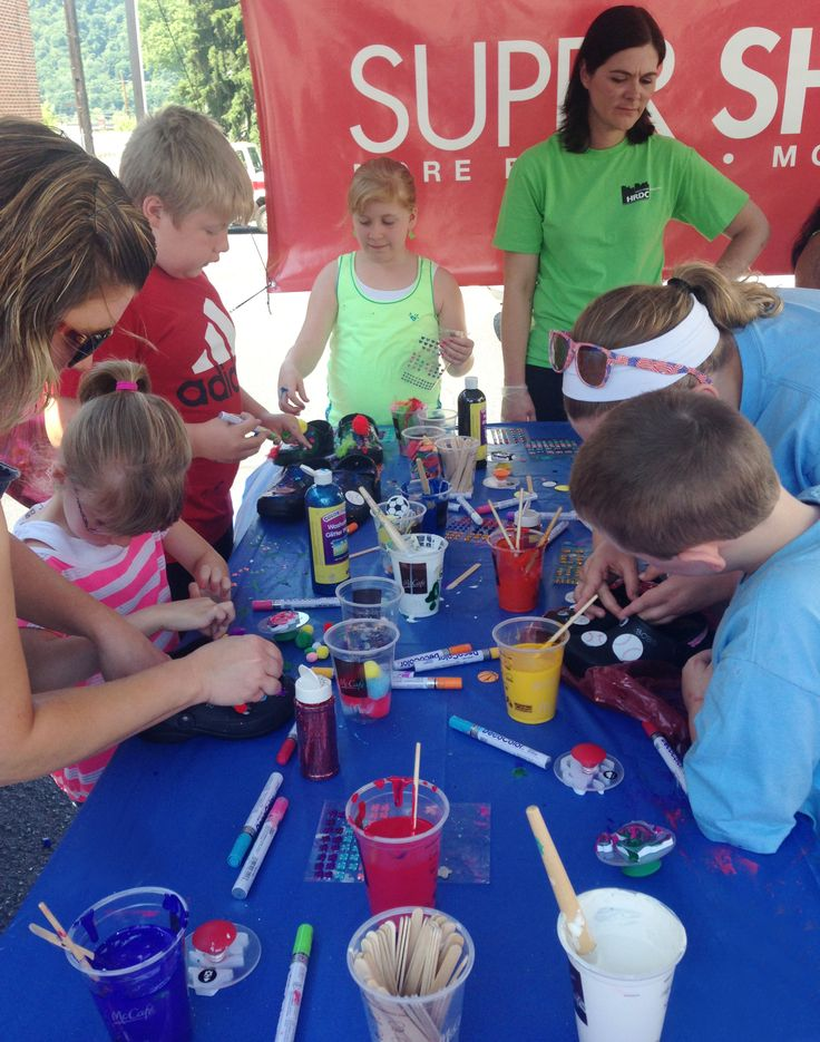 During the event, children were able to customize their new pair of shoes at BOBS shoe decorating stations.