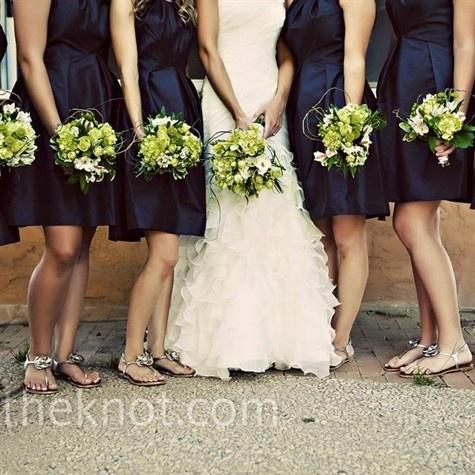 Blue bridesmaid dresses, green flowers...love it :)