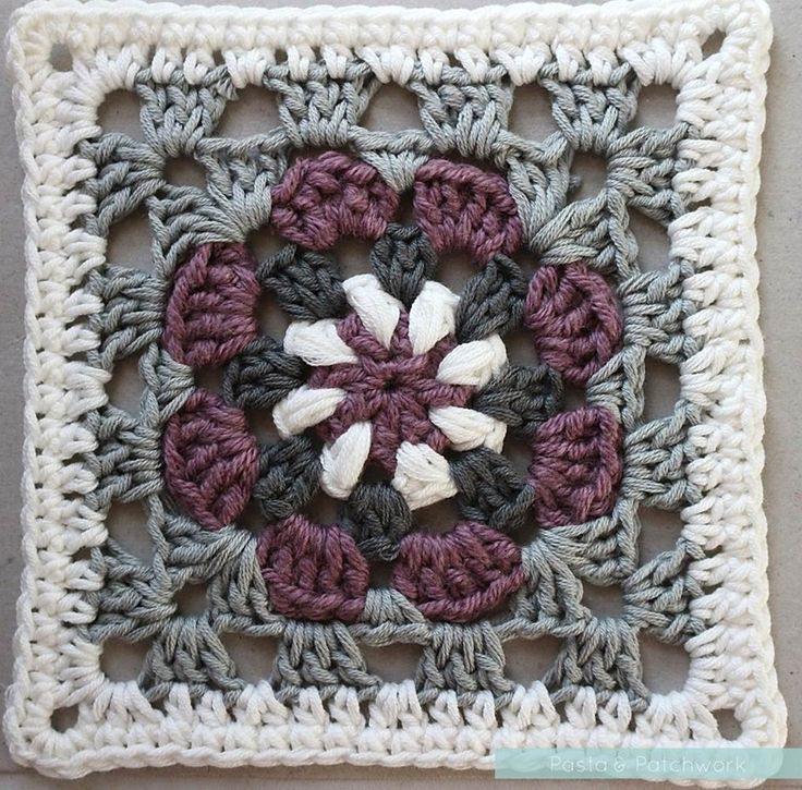 """Lily Pad"" Granny Square - Free Crochet Pattern & Tutorial - Pasta & Patchwork"
