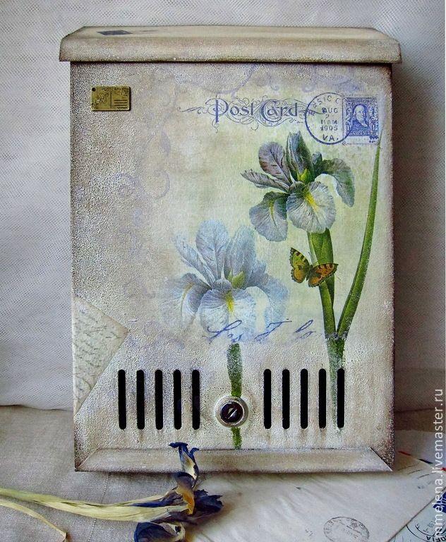 """Купить Почтовый ящик """"Ирисы"""" - бежевый, бледно-желтый, сиреневый, фиолетовый, ирисы, цветы"""