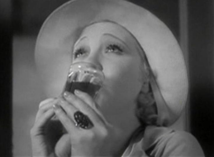 The Films of Helen Twelvetrees. A page providing capsule reviews of 18–and counting–Helen Twelvetrees movies. Pre-Code stardom through late 1930s decline.