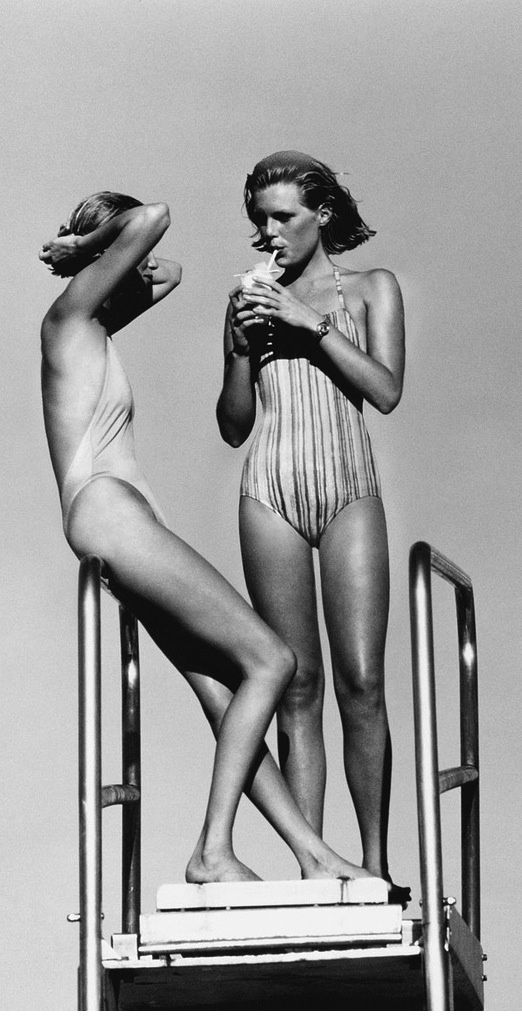 Patti Hansen and friend by Arthur Elgort for Vogue. 70s swimming pool cazh, in beautiful black and white.