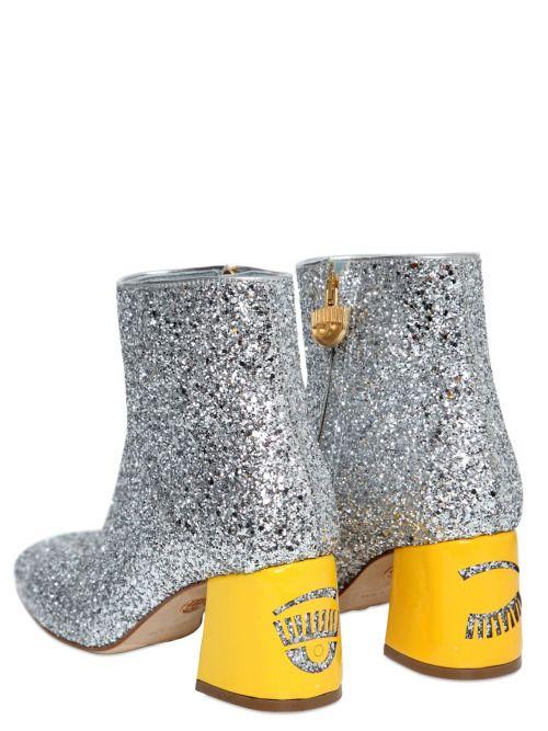 Ferragni brings back glitter in your life, just as we do: http://www.heelsrus.nl/en/diy-glitter-hakken-en-ombre-hakken-zelf-maken/