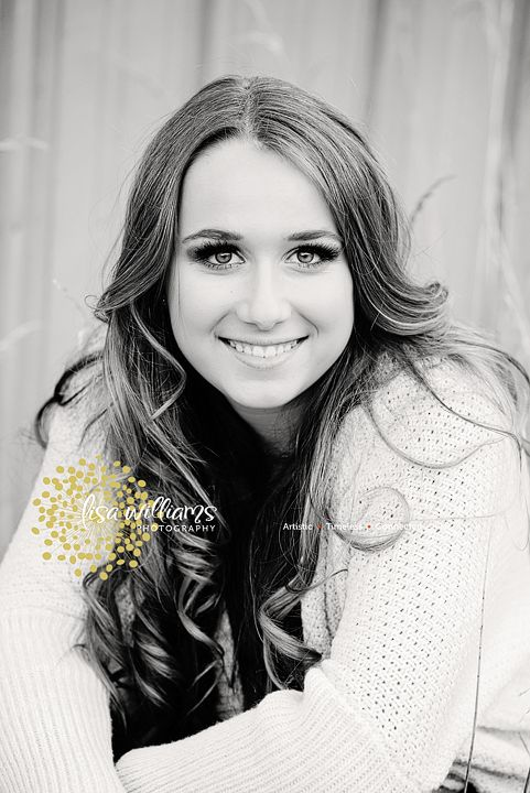 female senior portraits, female poses,portraits, senior portrait poses, photography www.lisawilliamsphoto.com