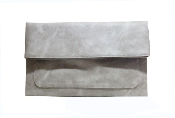 Freesia clutch bag #clutchbag #taspesta #handbag #clutchpesta #fauxleather #kulit #folded #dove #simple #casual #grey Kindly visit our website : www.zorrashop.com