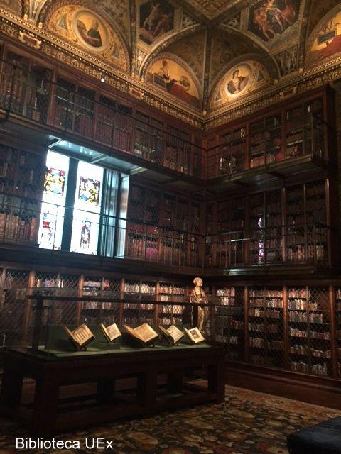 Nuestra compañera Marisol Gordillo ha visitado la ciudad de Nueva York y ha fotografiado algunas de sus bibliotecas: The Morgan Library and Museum. Fue fundada en 1906, con el fin de almacenar la biblioteca privada de John Pierpont Morgan. En esta biblioteca estaban incluidos, además de manuscritos y libros impresos, una peculiar colección de impresos y dibujos.