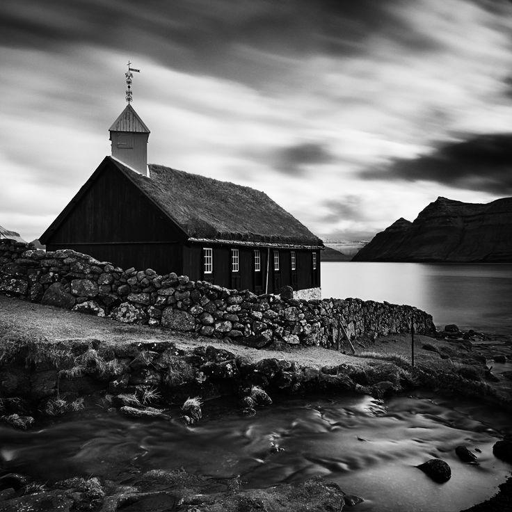 Funningur Church