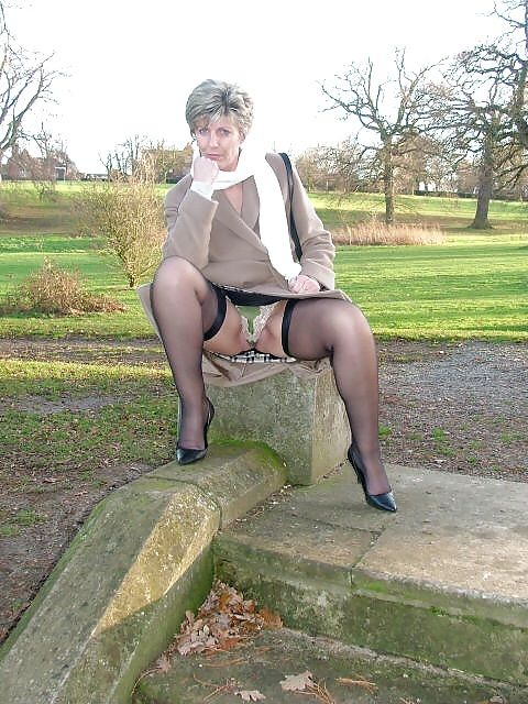 Mature Sara English Milf 2