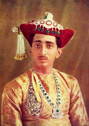 India - Maharaja Yeshwantrao Holkar, wearing his emeralds
