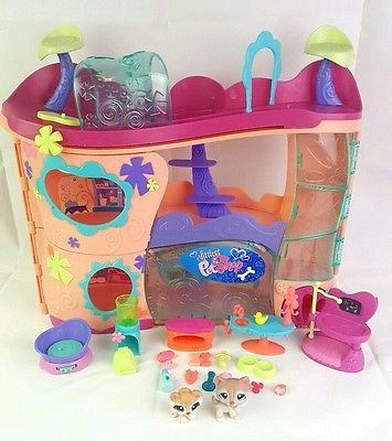 Hasbro Littlest Pet Shop LPS Cozy Care Adoption Center 100% COMPLETE w/Pets