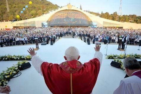 AFROVISION: une autre InfO - Festival du Vivre EnsembleIl est temps de pratiquer la paix, maintenant que l'on sait que l'accusateur n'est pas un ange...