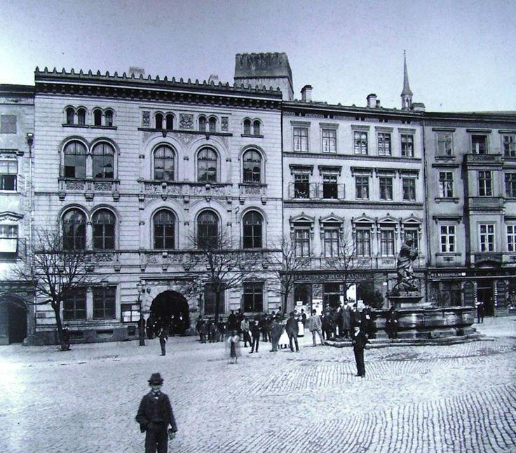 Edelmannův palác na Horním náměstí - foto je   1870 ?