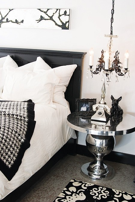Black & white bedroom Black & white bedroom Black & white bedroom