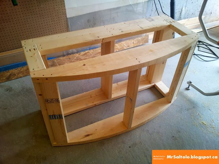 Instructions with pictures on how to build a 72 gallon bowfront aquarium stand - Part 1 - The Base (Old Site)