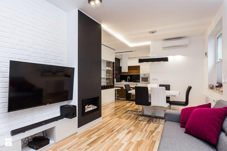 Podłoga + ściana pod telewizorem