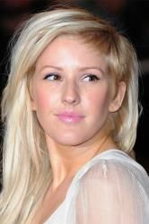 I ♥ Ellie Goulding. I look up to her. She's so perfect. ♥