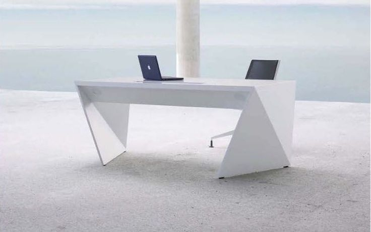 Contemporary executive office desk kinzo air 101 from bau for Office design 101