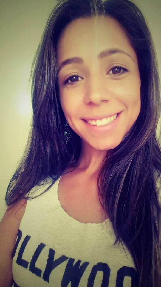 Um cabo da PM de 36 anos, matou a tiros na madrugada desta sexta – feira (8), uma mulher de 29 anos, em Santa Bárbara D'Oeste (SP). Lorena Aparecida dos Reis Pessoa, balconista, foi morta com ao menos 6 disparos, quando estava em sua casa na Vila Aparecida. Carlos Alberto Ribeiro, estava de … Continue reading POLICIAL MILITAR MATA A TIROS BALCONISTA EM SANTA BÁRBARA D'OESTE