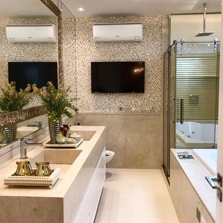 """12.6k Likes, 125 Comments - Decor•arq•Home•Casa•Int•blog (@_homeidea) on Instagram: """"Banheiro lindo e inspirador, com destaque para os revestimentos.  Amei! @pontodecor  Projeto…"""""""