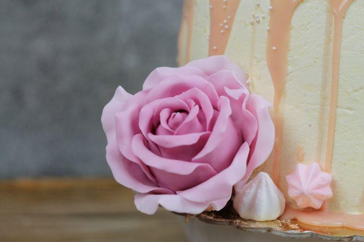 Orchideli - jak zrobić cieniowaną, realistyczną różę z lukru. Jak zrobić różę z lukru, fondant rose tutorial.